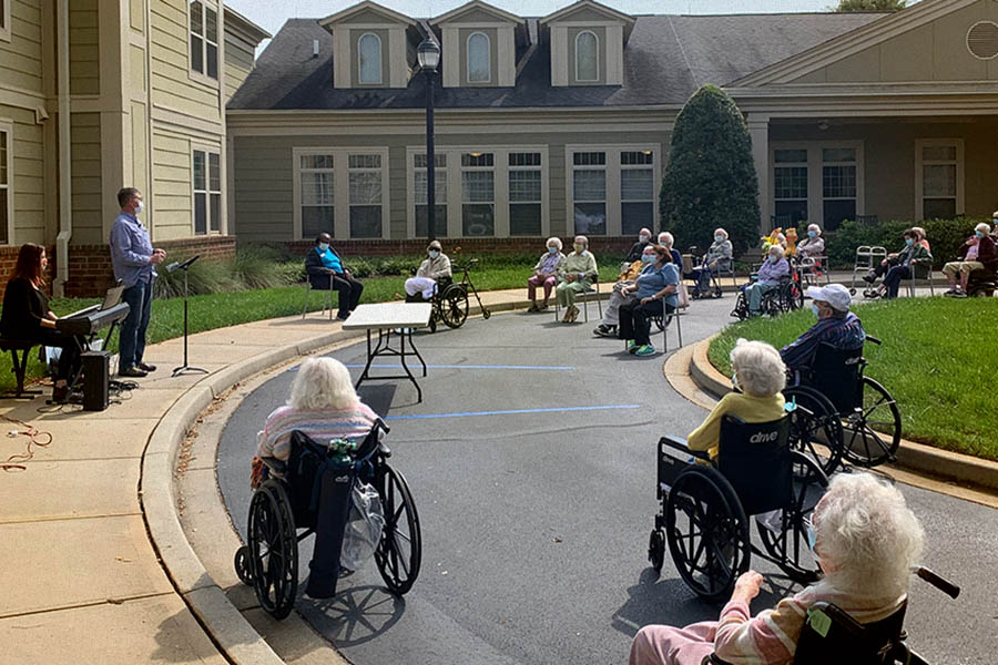 Some of our partner assisted living facilities provided space for us to host outdoor worship services—what a wonderful way to reconnect with our Senior Honor members in person!